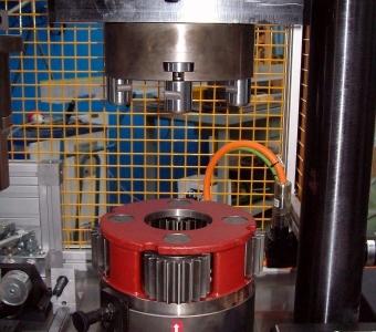 mcservice-modena-progettazione-meccanica-consulenza-tecnica-gallery-attrezzatura speciale pressa